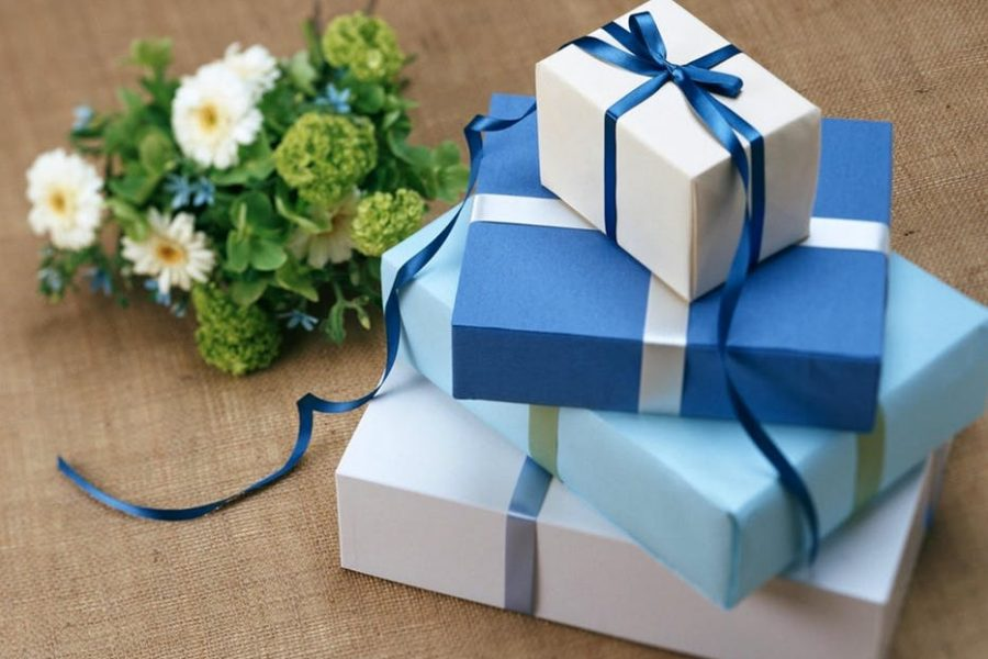 Blue_gifts
